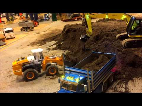 Rc excavator and Libherr 574 Wheel loader