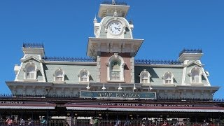 Searching For Delicious Walt Disney World Snacks & The Train Station Has Reopened!