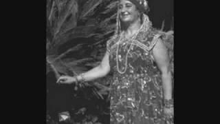 La chanteuse Algérienne Fadila Dziria ( Ya Kalbi Khelli El Hal) Audio 2