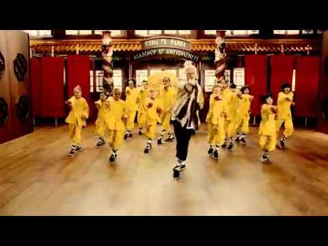 ceelo green  kung fu fighting
