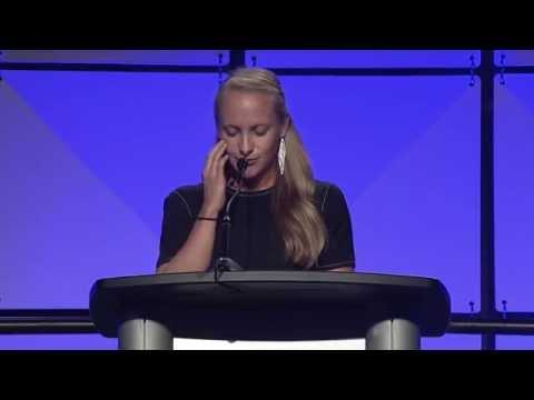 Katarina & Niki Richter-Lunn honor Roy Lunn - Auto Hall of Fame