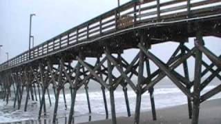 Snow Flurries at Surfside Beach 12-26-10