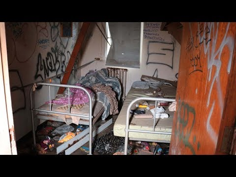 Homeless man living inside haunted lunatic asylum (abandoned)