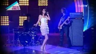 Selena Gomez - A Year Without Rain in Spanish Show Fama Revolution LIVE