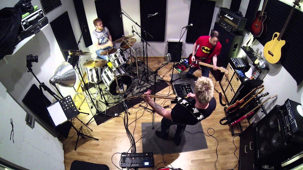 Jam night 1 in frog leap studios youtube for Frog studio