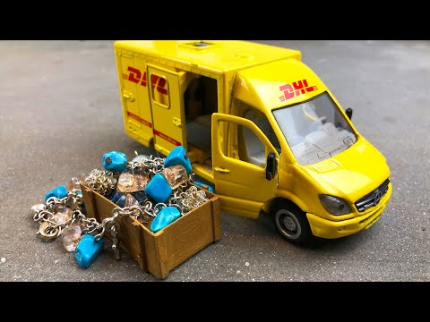 Мультики про машинки. Почтовый фургон перевозит сокровища