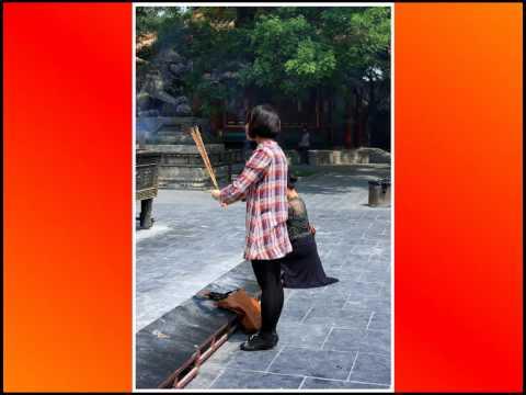 China, Beijing. Yonghe Temple  .avi