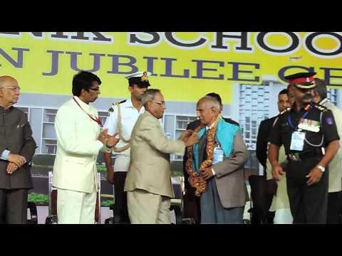 Sainik School Bijapur- GJ, Shri  Pranab Mukherjee honouring Shri GD Kale
