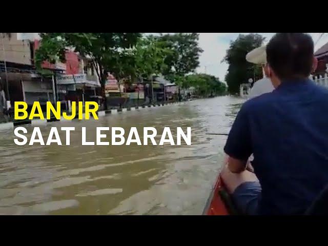 Banjir saat Lebaran di Samarinda, Kalimantan Timur, Akses Jalan Lumpuh Total