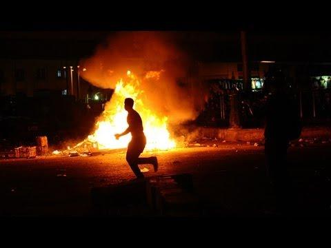 Violence erupts in Cairo pro-Morsi protest - no comment