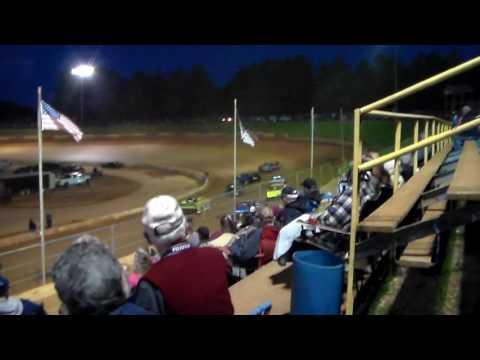 Friendship Speedway (Xtreme Stock 4's) 5-13-17