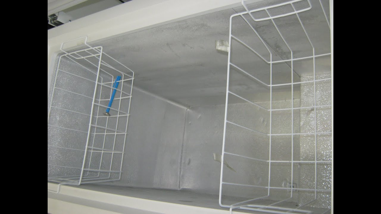 """Chest Freezer 5 Cu Ft for sale: new GE Chest Freezer """"Scratch & Dent"""" __ $200.00 ..."""