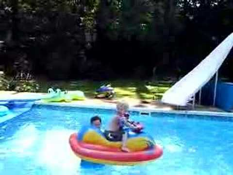Jj Rides A Motorized Pool Float Youtube