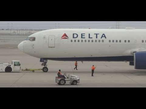 (HD) Delta Air Lines Boeing 767-300ER Pushback, SLC to Paris Charles de Gaulle International Airport