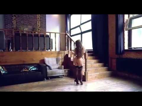 Танец Оксаны Салдыркиной в нижнем белье! Чулки!