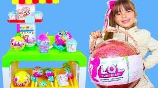 LAURINHA BRINCANDO DE LOJA DE BRINQUEDOS ! KIDS PRETEND PLAY IN MEGA TOY STORE