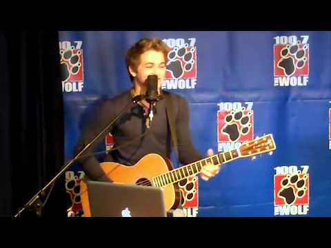 Hunter Hayes - Everybody's Got Somebody But Me @ The Wolf's Acoustic Doghouse
