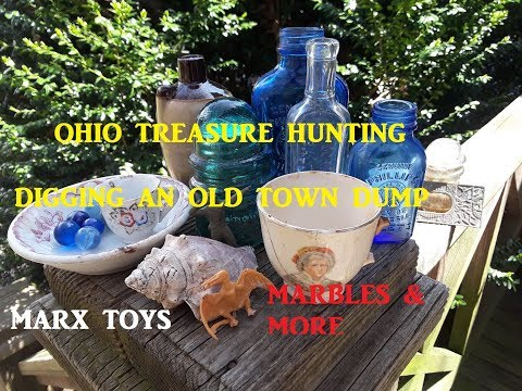 Ohio Treasure Hunting Digging Old Dump COOL FINDS TINY CROCK