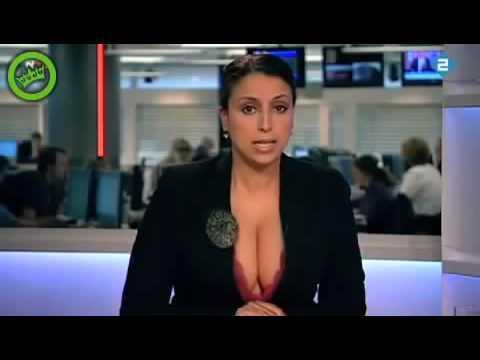 Ведущая показала грудь в прямом эфире!