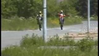 2 KX400 Dirt Bikes Crash