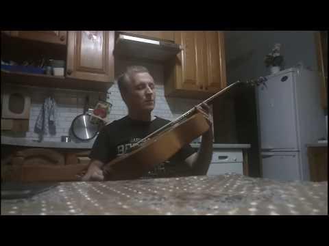 Проба старинной семиструнной гитары после полной реставрации.