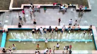 Аномальные явления - Голые люди в фонтане