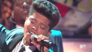 Bruno Mars Valerie - Amy Winehouse Tribute VMA's 2