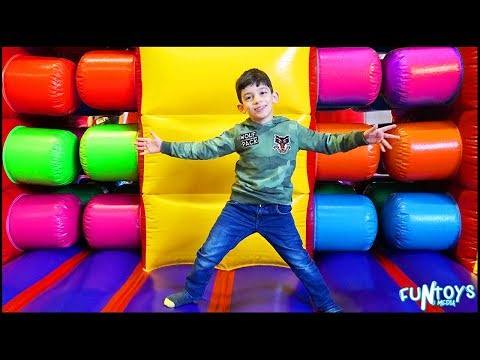 Inflatable Slides Park Race Challenges for Children