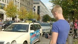 Repeat youtube video Uber: η εφαρμογή που καταργεί τα ταξί - economy
