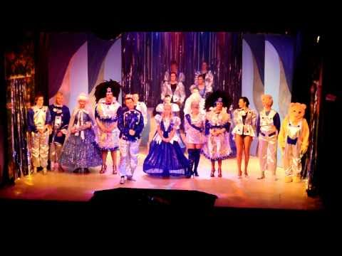 Grove Park Theatre Pantomime Cinderella Carol Singing After Show