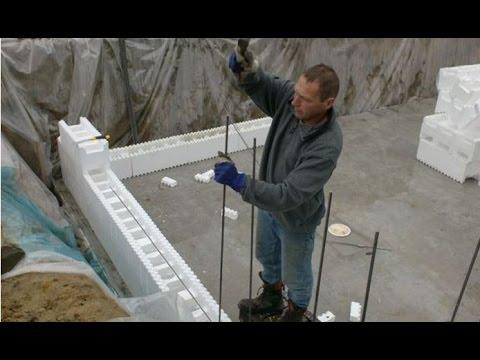 Zelf een zwembad bouwen deel 3 de muur youtube for Zelf zwembad bouwen betonblokken