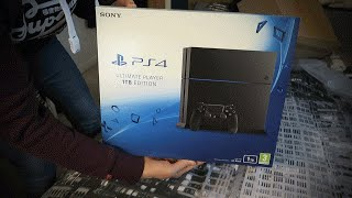 BRAND NEW PS4 JET BLACK