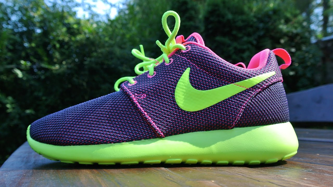 roshe run pink and green