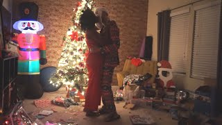 MOMMY KISSING SANTA CLAUS | ALI CHRISTMAS 2019