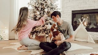 DECORATING OUR HOUSE FOR CHRISTMAS! VLOGMAS DAY 4!