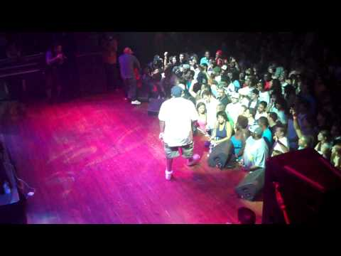 "Slum Village - ""Fall In Love"" LIVE (House of Blues Chicago 09/25/2009)"