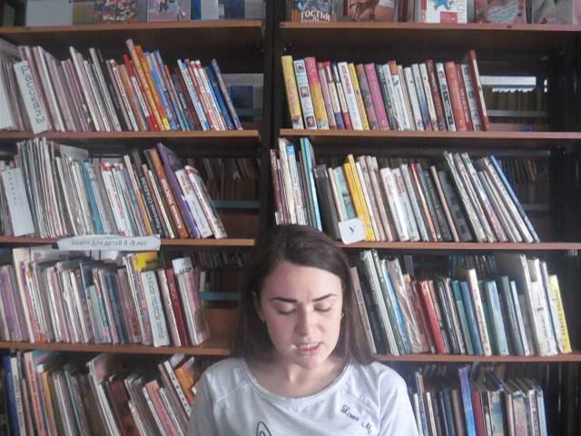 Изображение предпросмотра прочтения – НадеждаГоршкова читает произведение «Замолкни, Муза мести и печали!» Н.А.Некрасова