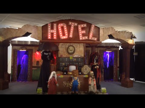 spirit halloween 2016 haunted hotel - Spirit Halloween 2016
