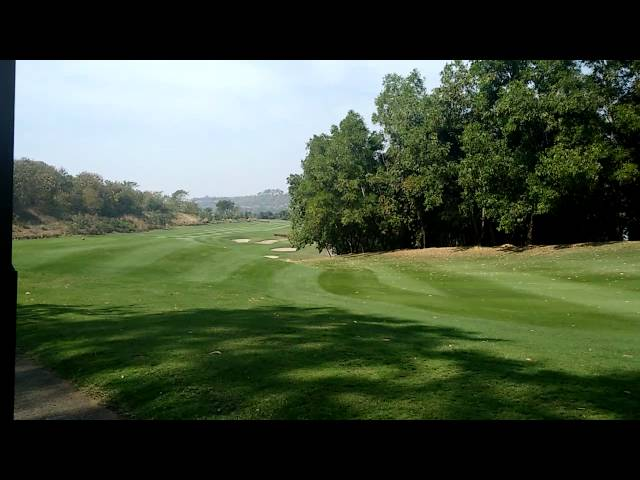 Oxford  Golf Resort - Golf Course - Pune, India