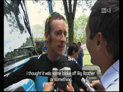 Bradley Wiggins teases a French TV reporter