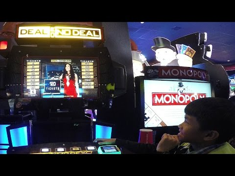 Kids Having Fun Playing Deal Or No Deal Arcade Game: Team Rocky & Piper Versus Team M&M & E.L.