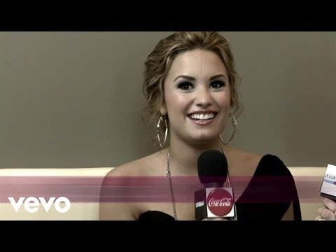 Demi Lovato - 2010 One on One Interview (American Music Awards) Thumbnail image
