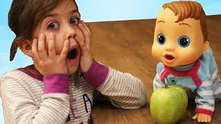 Эмилюшина кукла вдруг стала живой ходит и разговаривает как настоящий ребенок