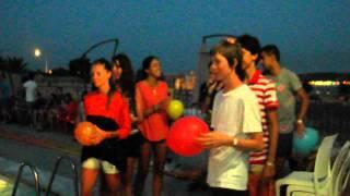 Easy Pool Party - balloon game