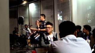 Yêu đi rồi khóc - Hamlet Trương & guitar Út Dương