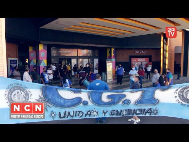 CINCO TV - Movilización en defensa de los derechos de los vigiladores del Shopping Soleil