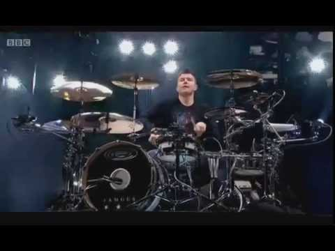 Blink182  Family Reunion  Mark Hoppus DrumSolo  @ Reading 2014
