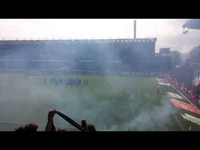 Eindelijk kampioen. Affluiten van de match Club Brugge- anderlecht!