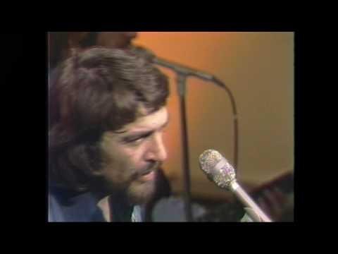 Waylon Jennings: Amanda - Live