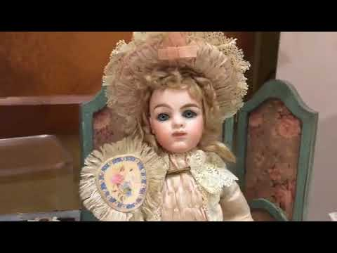 Live with Valerie Fogel of Beautiful Bebes Antique Dolls and Accessories in the UFDC Salesroom